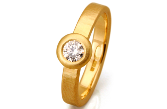 Yellow gold brilliant cut diamond by James Newman