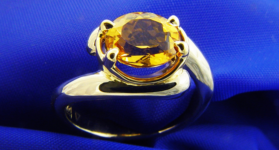 Yellow Topaz ring by Mark Somma, Used under a Creative Commons licence (http://creativecommons.org/licenses/by/2.0/legalcode)