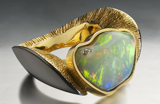Endemic Bird ring by Ornella Iannuzzi, one of the designers featuring in the 'Women in the Making' exhibition.