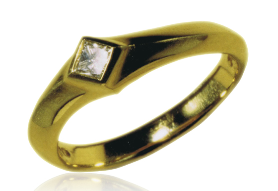 Chicane Diamond Ring in 18 ct Gold by Serena Fox